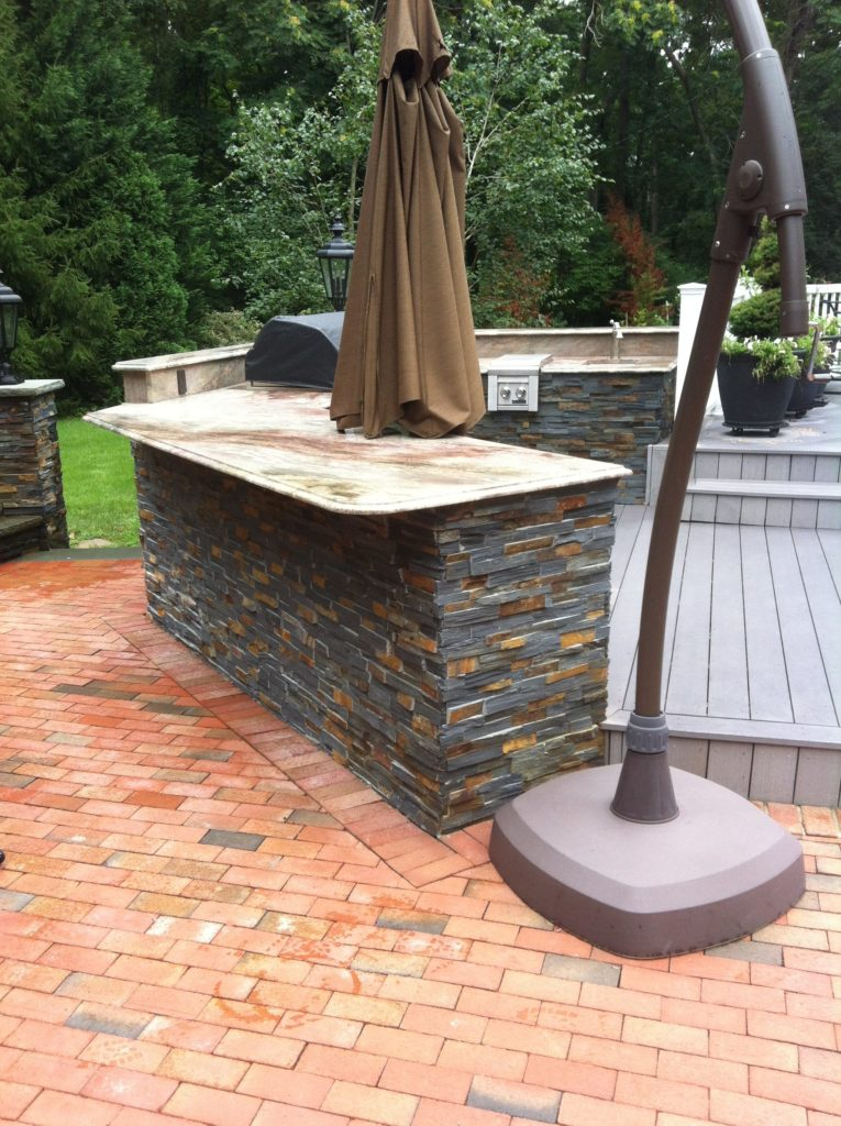 Stone Veneer on Outdoor Kitchen